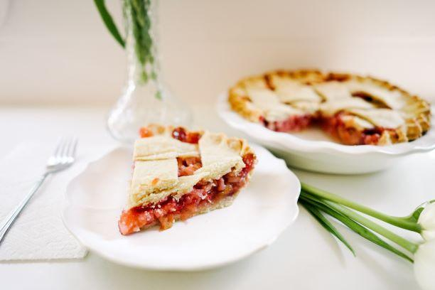 Strawberry Rhubarb Pie - Slice Of Pie Raleigh